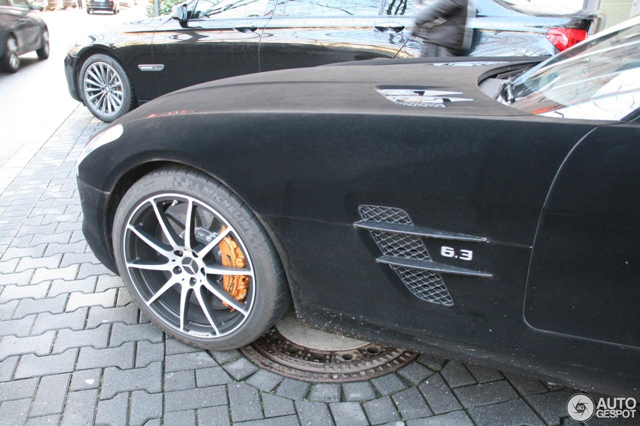Mercedes-Benz SLS AMG GT 4
