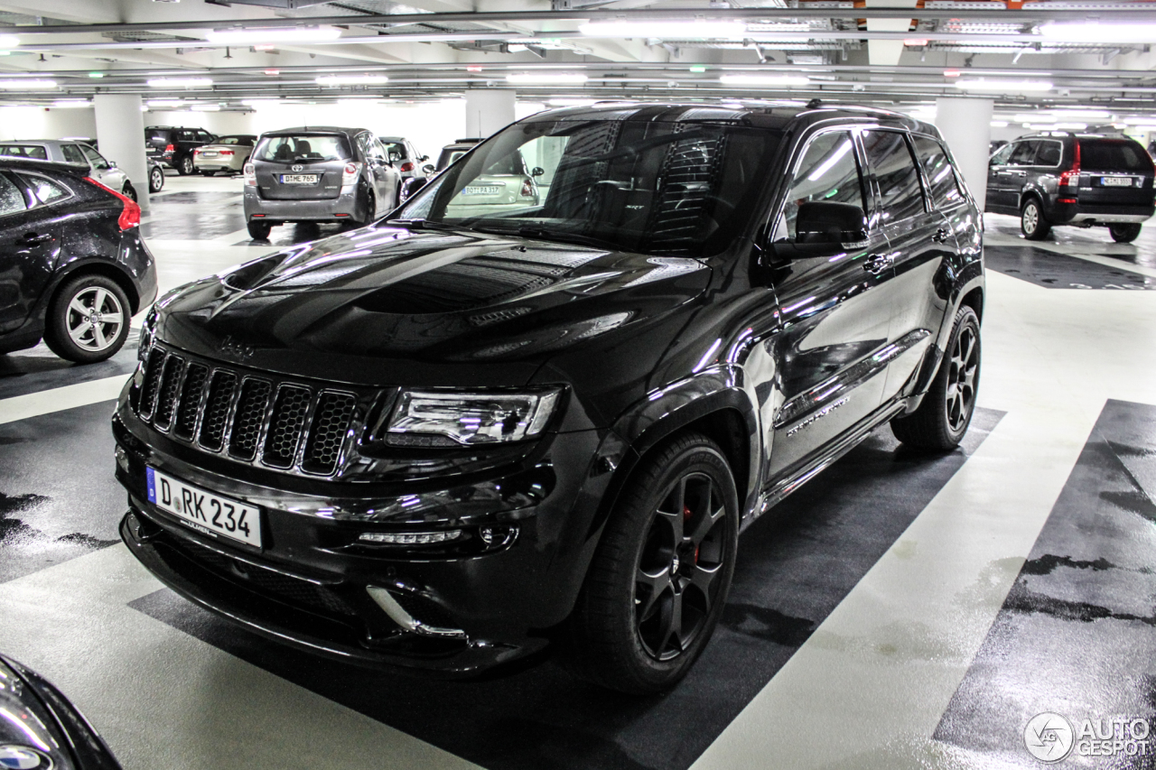 jeep grand cherokee srt 8 2013 4 januar 2015 autogespot. Black Bedroom Furniture Sets. Home Design Ideas