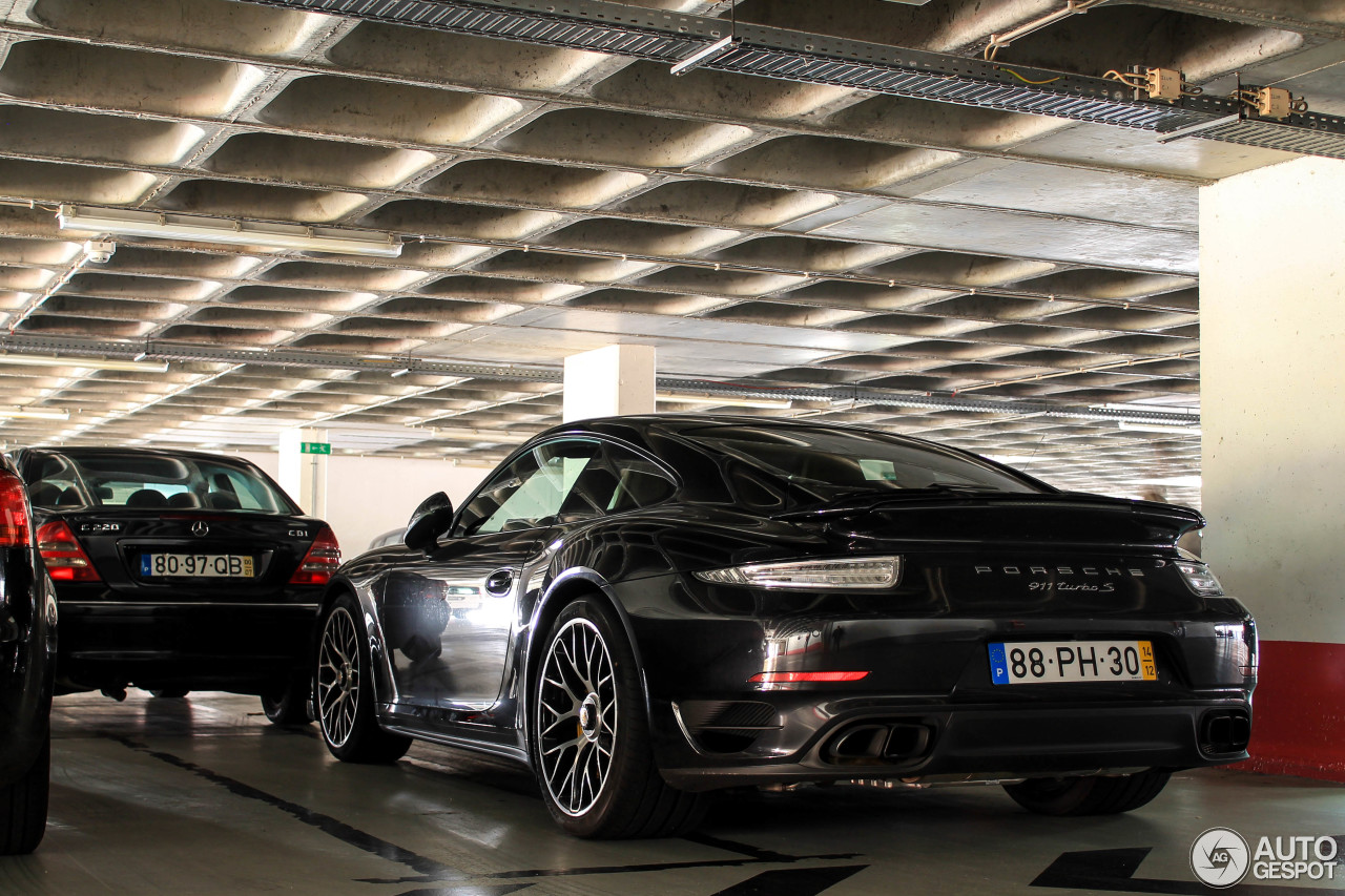 porsche 991 turbo s 4 january 2015 autogespot. Black Bedroom Furniture Sets. Home Design Ideas