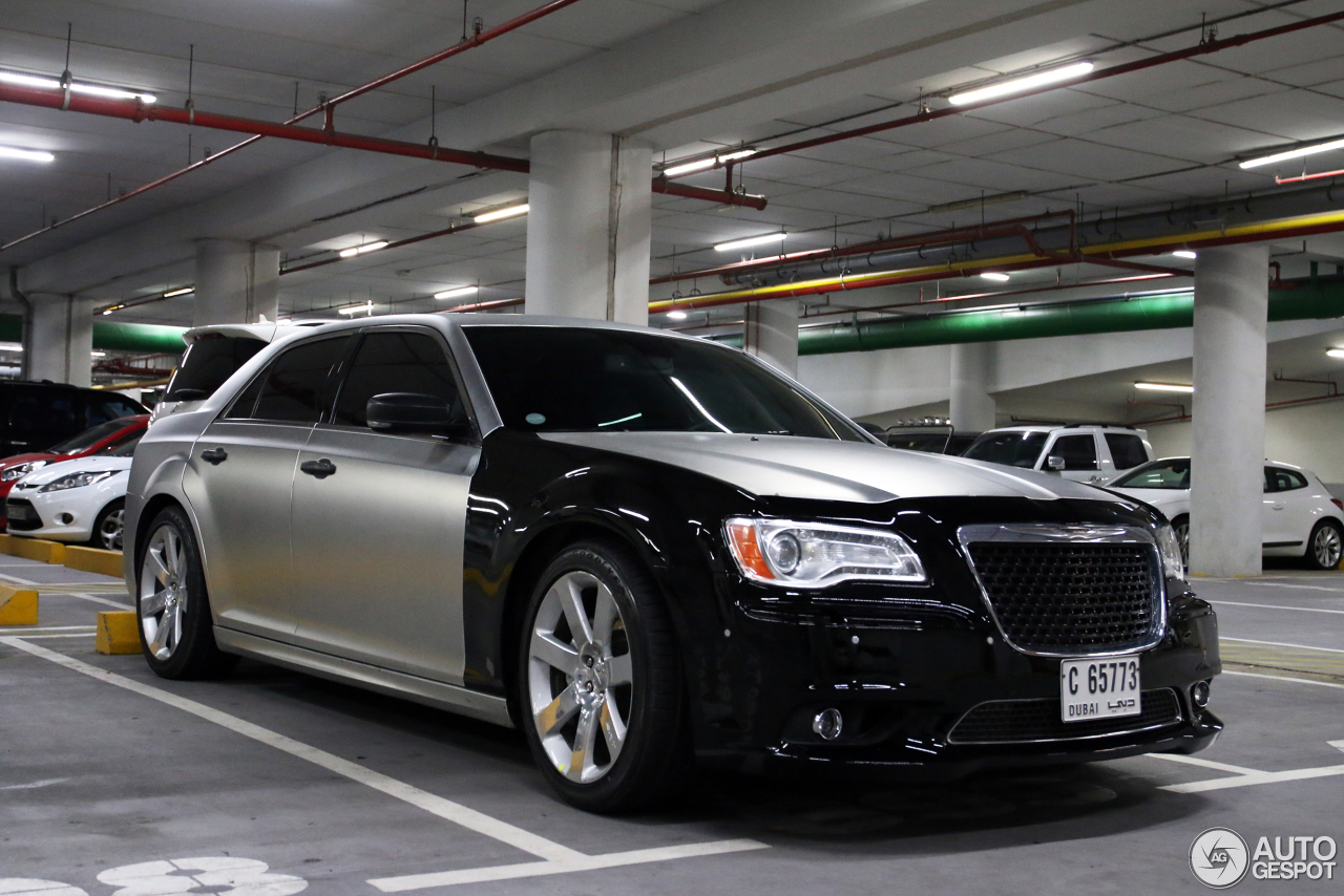 chrysler 300c srt8 2013 5 january 2015 autogespot. Black Bedroom Furniture Sets. Home Design Ideas