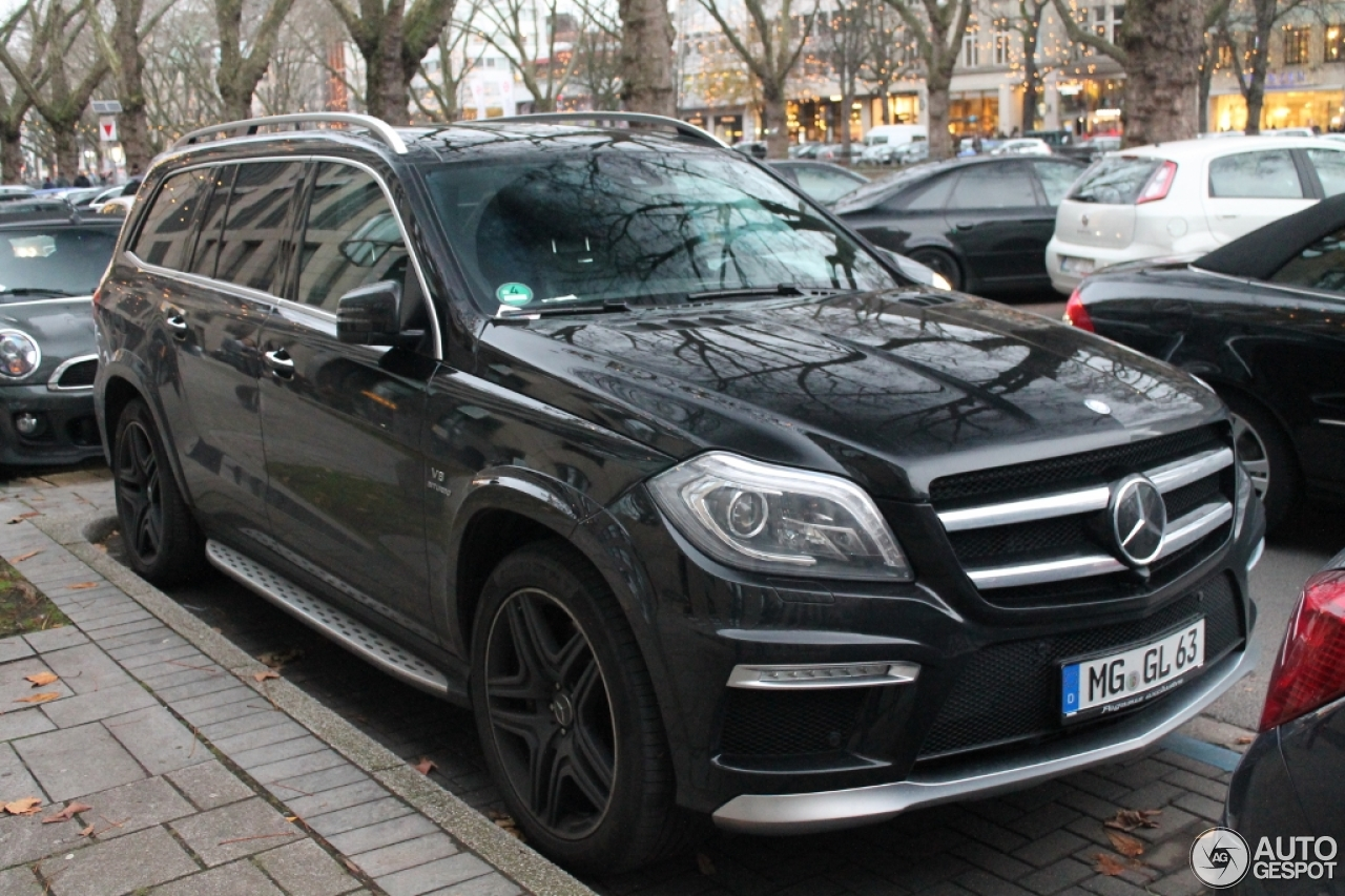 Mercedes benz gl 63 amg x166 5 2015 autogespot for 2015 mercedes benz gl