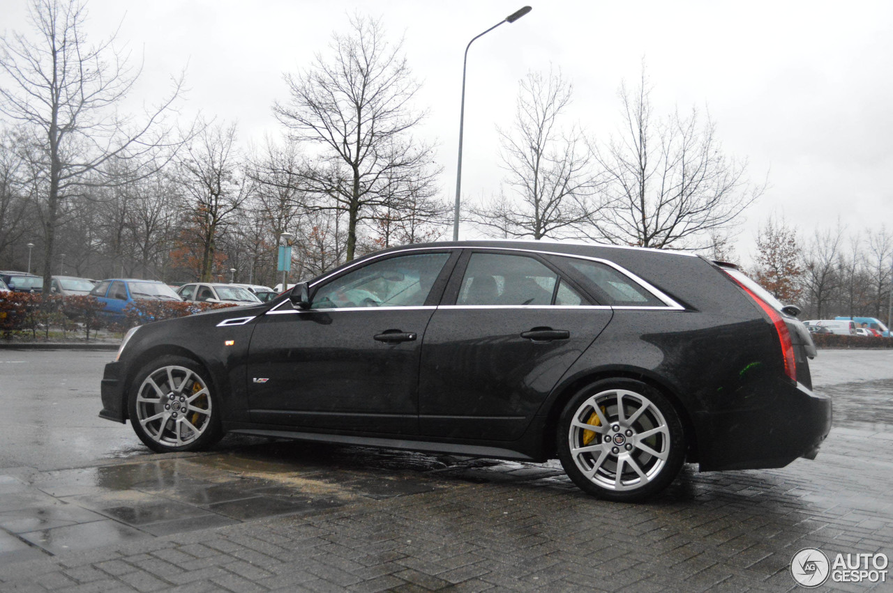 cadillac cts v sport wagon 8 january 2015 autogespot. Cars Review. Best American Auto & Cars Review