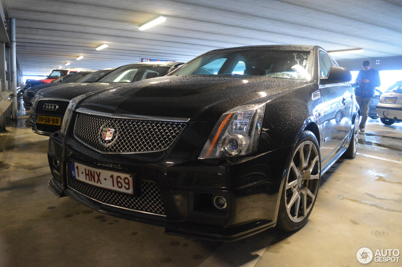 cadillac cts v sport wagon 8 january 2015 autogespot. Black Bedroom Furniture Sets. Home Design Ideas