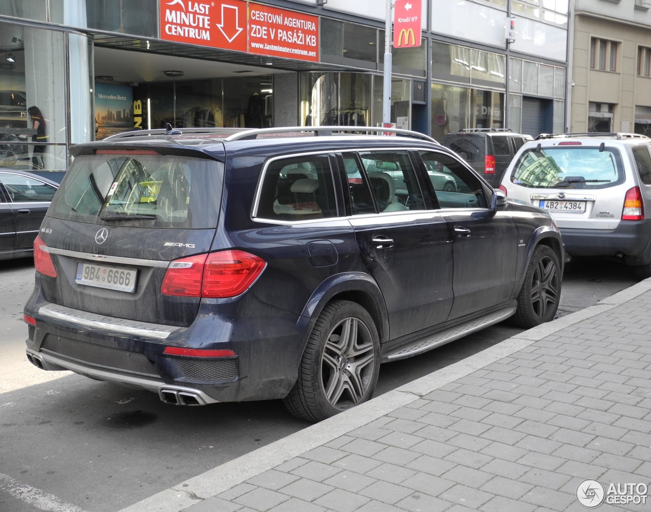 Mercedes benz gl 63 amg x166 15 january 2015 autogespot for 2015 mercedes benz gl