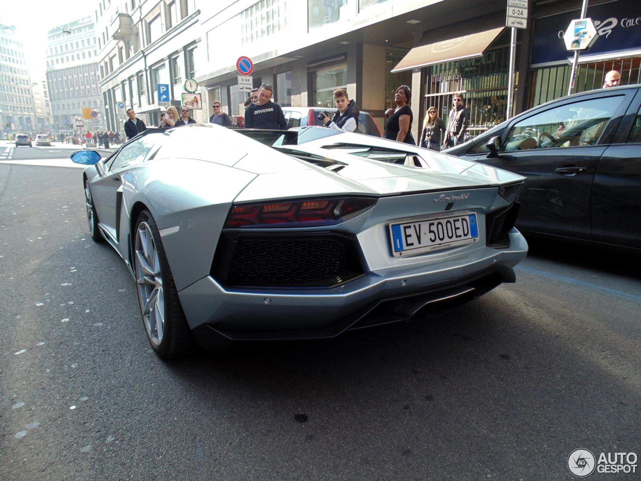 Lamborghini Aventador LP700-4 Roadster 9