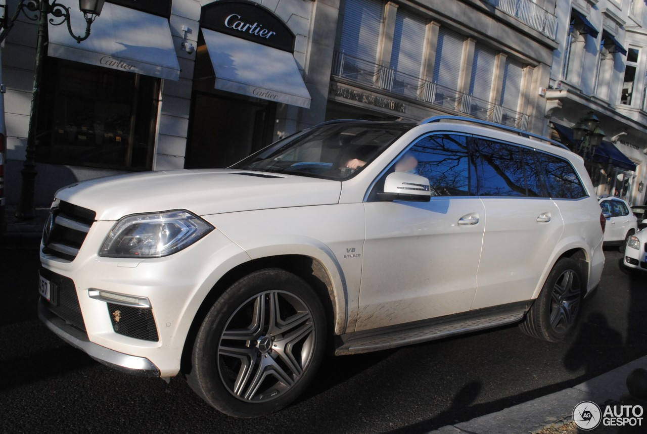 Mercedes benz gl 63 amg x166 17 january 2015 autogespot for Mercedes benz gl amg 2015