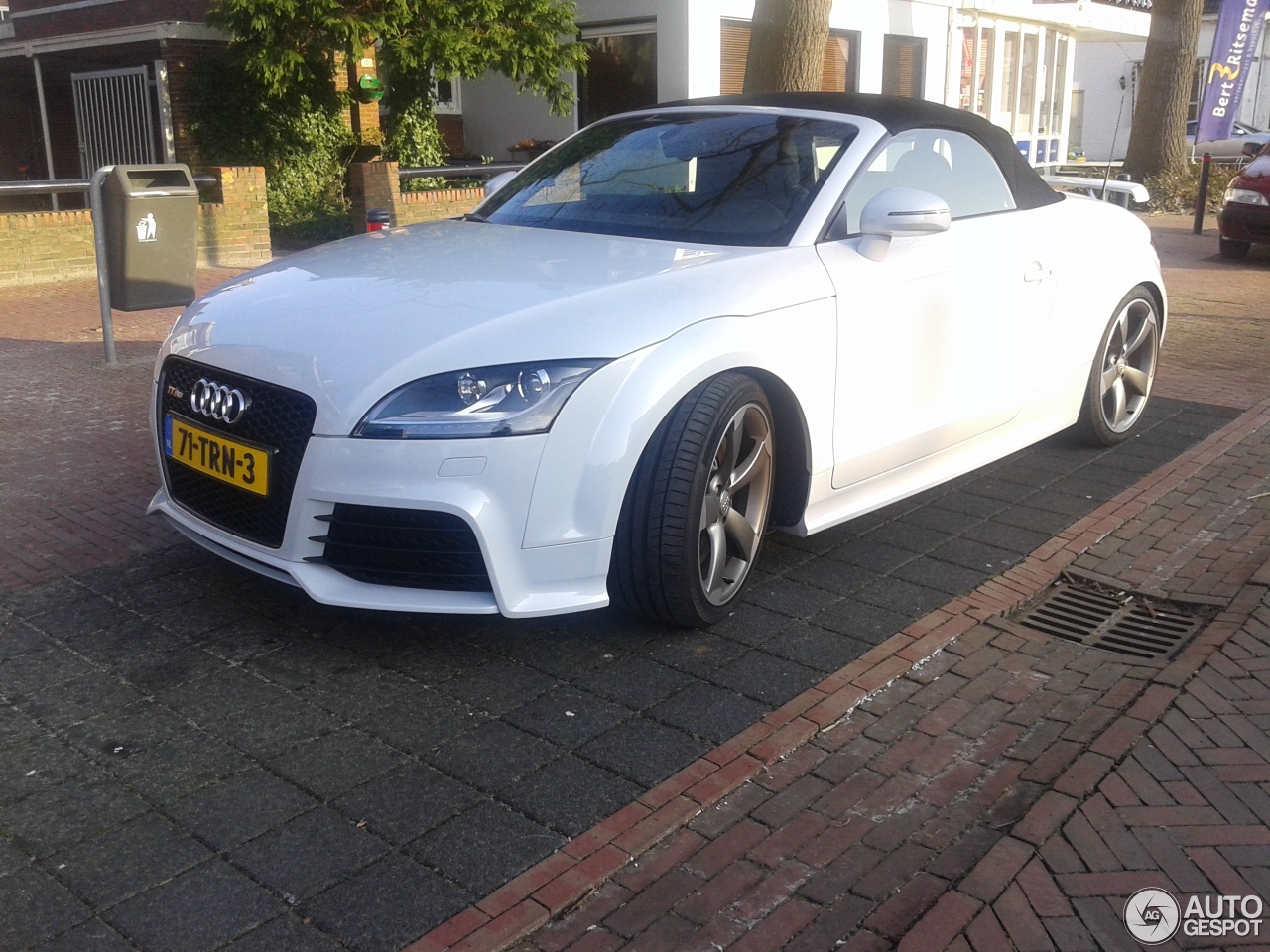 audi tt rs roadster 22 january 2015 autogespot. Black Bedroom Furniture Sets. Home Design Ideas