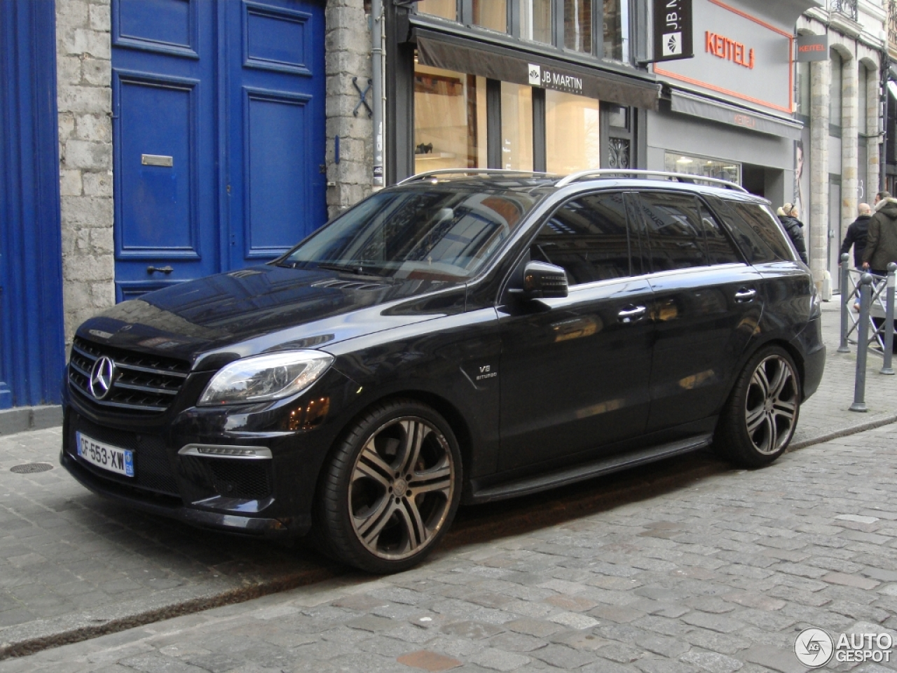 Mercedes benz ml 63 amg w166 26 january 2015 autogespot for Mercedes benz ml 2015