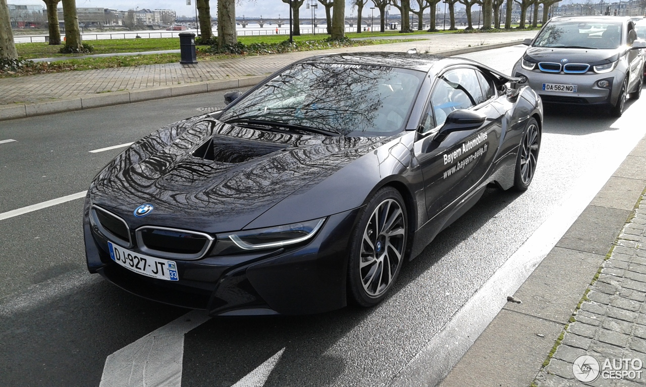 bmw i8 31 janvier 2015 autogespot. Black Bedroom Furniture Sets. Home Design Ideas