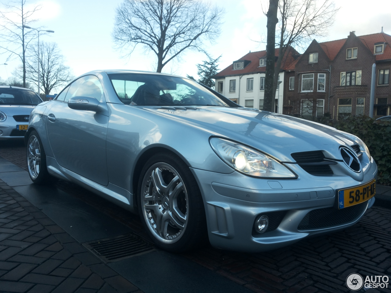 mercedes benz slk 55 amg r171 10 februar 2015 autogespot. Black Bedroom Furniture Sets. Home Design Ideas