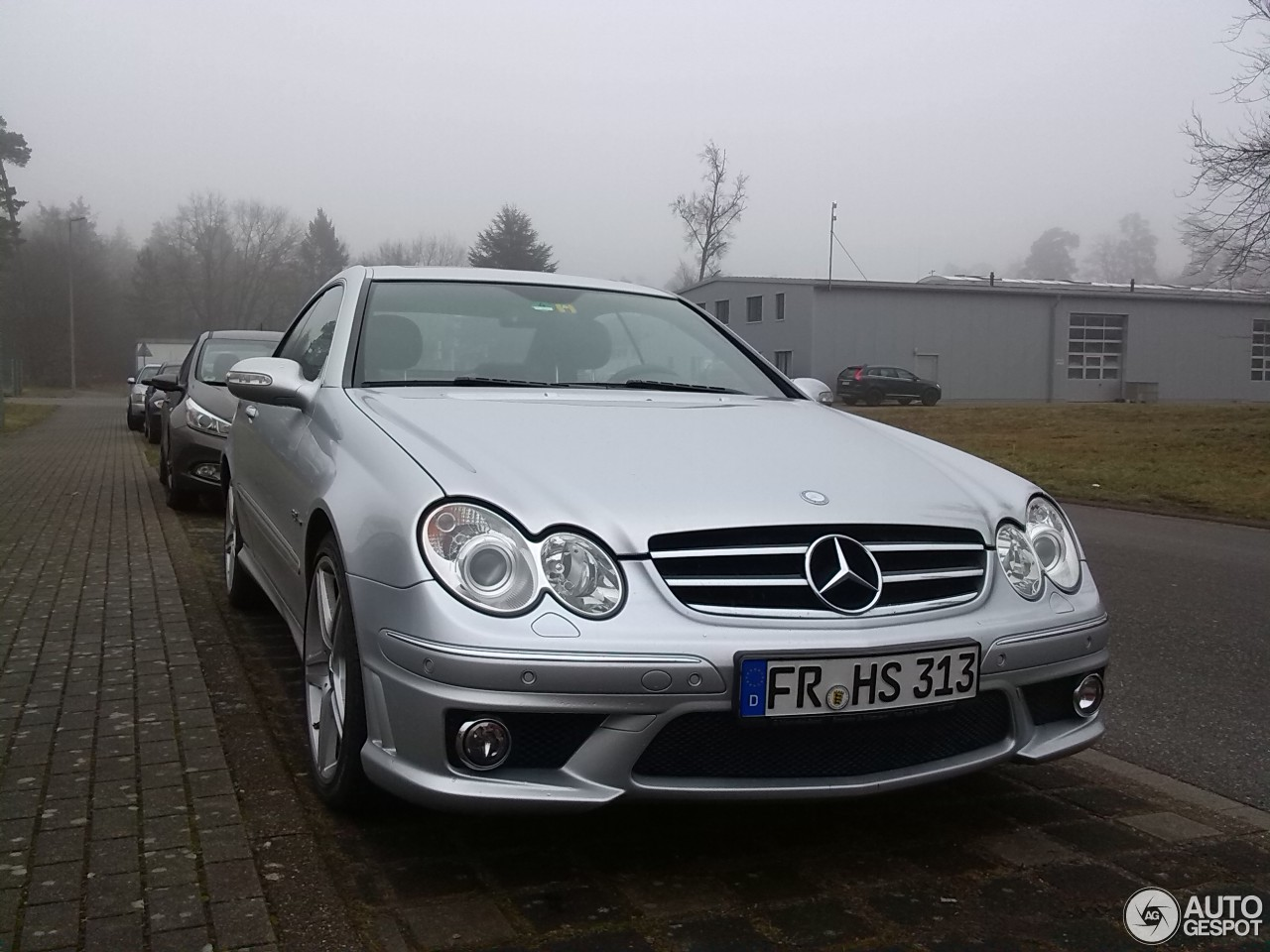 Mercedes benz clk 63 amg 12 february 2015 autogespot for Mercedes benz clk 63