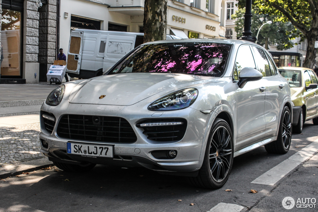 porsche 958 cayenne turbo s 17 fvrier 2015 autogespot. Black Bedroom Furniture Sets. Home Design Ideas