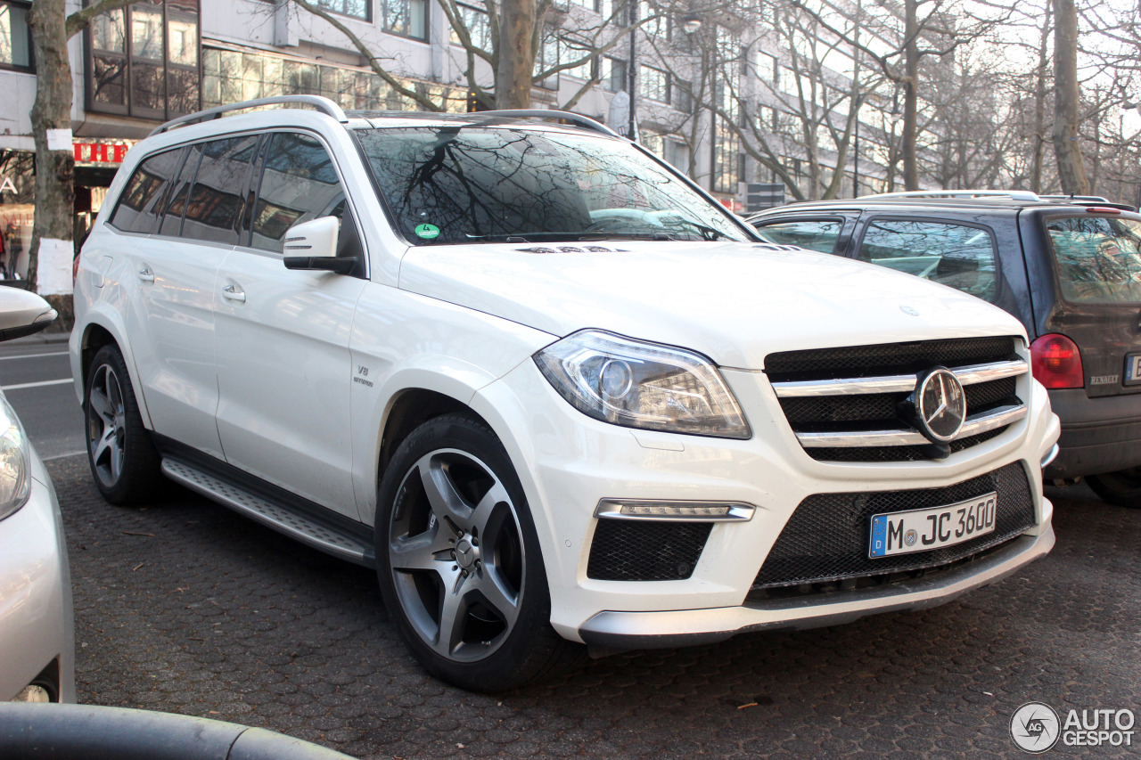 Mercedes benz gl 63 amg x166 19 february 2015 autogespot for Mercedes benz gl amg 2015