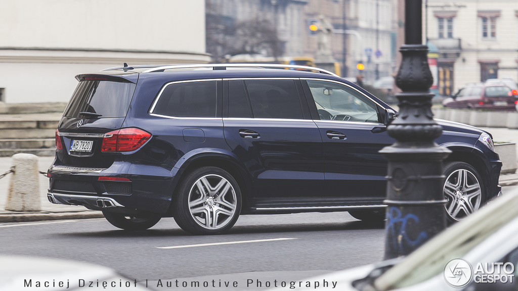 Mercedes benz gl 63 amg x166 23 february 2015 autogespot for Mercedes benz gl amg 2015