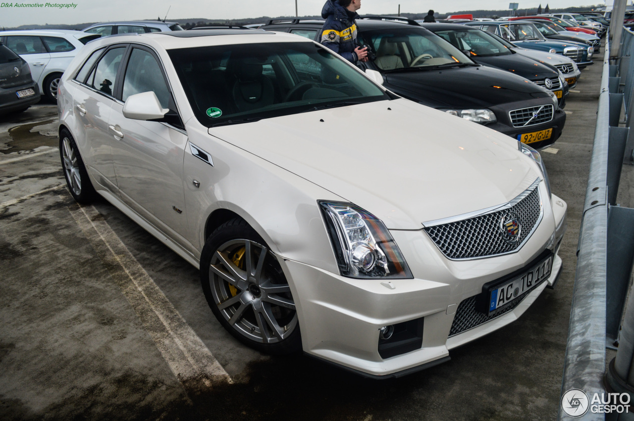 cadillac cts v sport wagon 1 march 2015 autogespot. Black Bedroom Furniture Sets. Home Design Ideas
