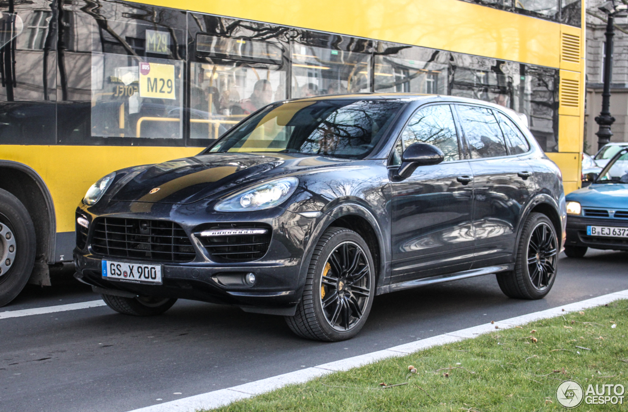 porsche 958 cayenne turbo s 1 march 2015 autogespot. Black Bedroom Furniture Sets. Home Design Ideas