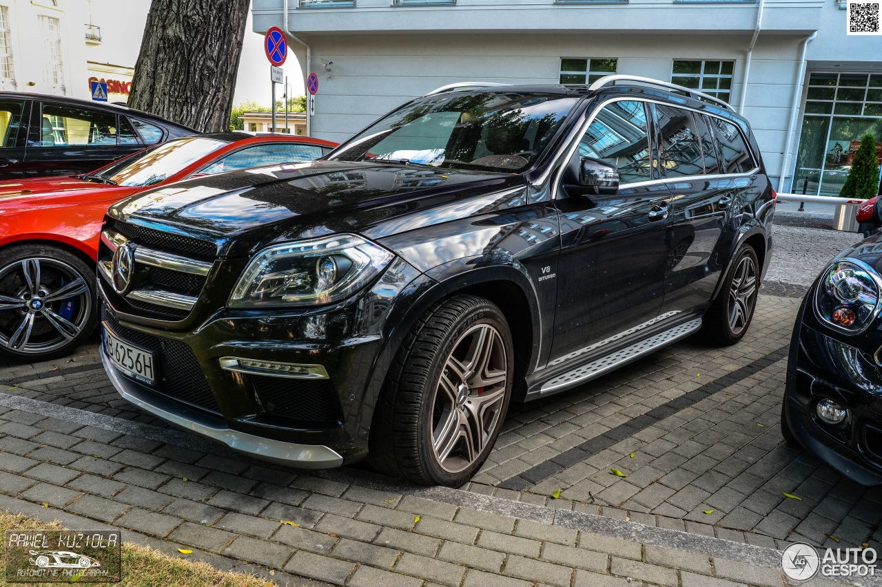 Mercedes benz gl 63 amg x166 2 mrz 2015 autogespot for 2015 mercedes benz gl