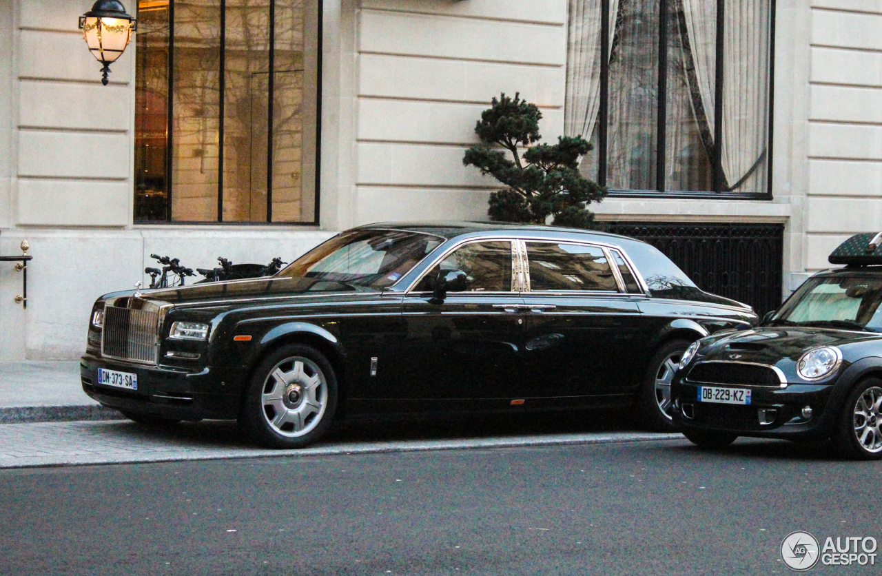 rolls royce phantom ewb series ii 2 march 2015 autogespot. Black Bedroom Furniture Sets. Home Design Ideas