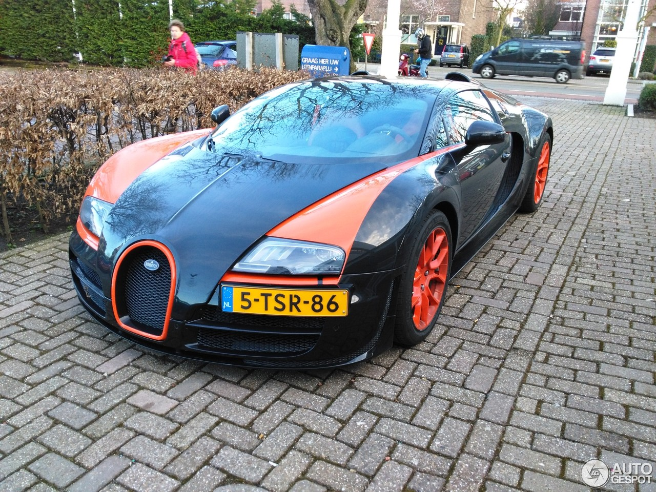 bugatti veyron 16 4 grand sport vitesse world record car edition 3 march 20. Black Bedroom Furniture Sets. Home Design Ideas