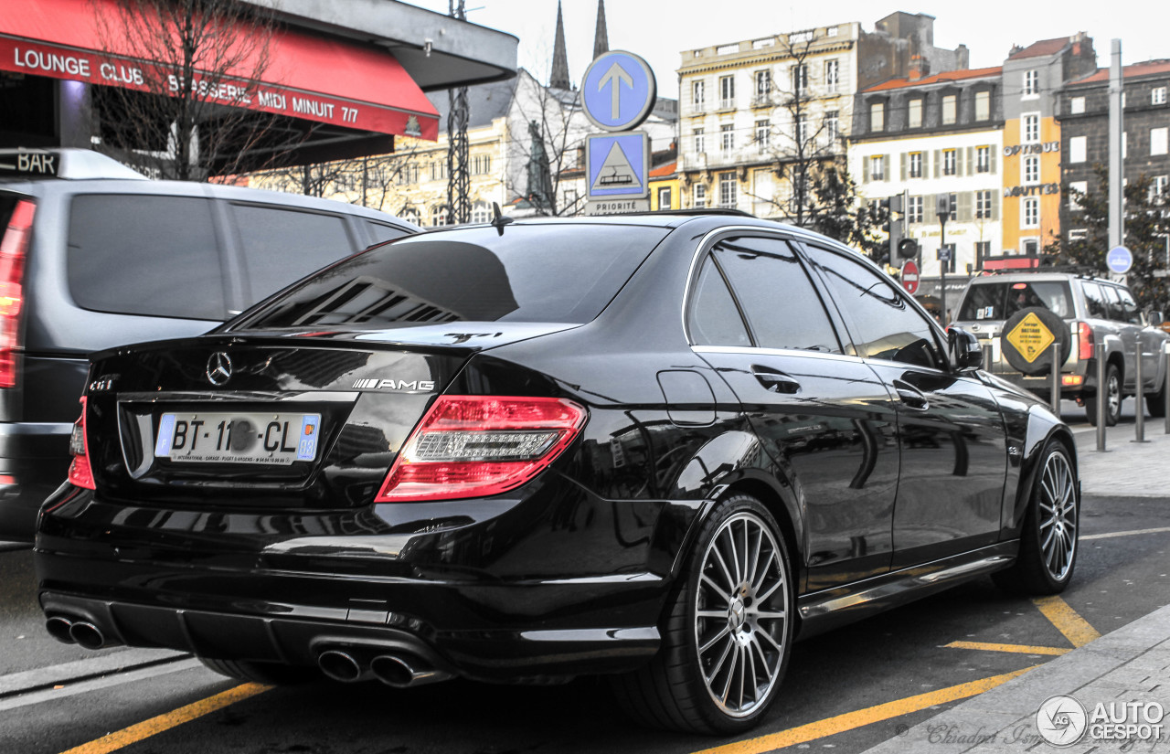 mercedes benz c 63 amg w204 9 mars 2015 autogespot. Black Bedroom Furniture Sets. Home Design Ideas