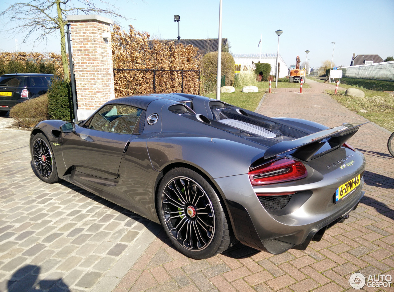 porsche 918 spyder weissach package 11 march 2015 autogespot. Black Bedroom Furniture Sets. Home Design Ideas