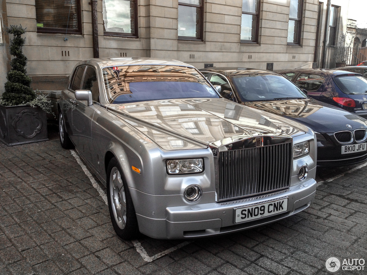 rolls royce phantom 11 march 2015 autogespot. Black Bedroom Furniture Sets. Home Design Ideas