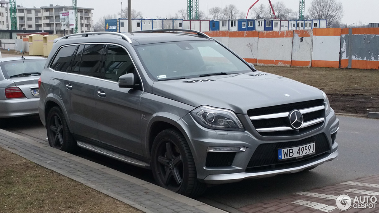 Mercedes benz gl 63 amg x166 12 march 2015 autogespot for 2015 mercedes benz gl