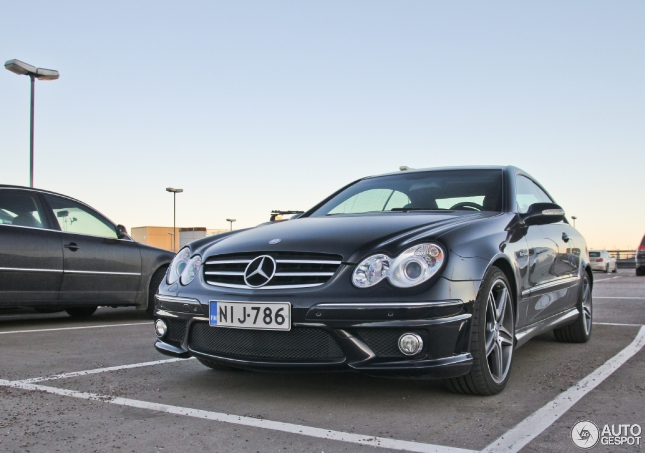 Mercedes benz clk 63 amg 14 march 2015 autogespot for Mercedes benz clk 63 amg