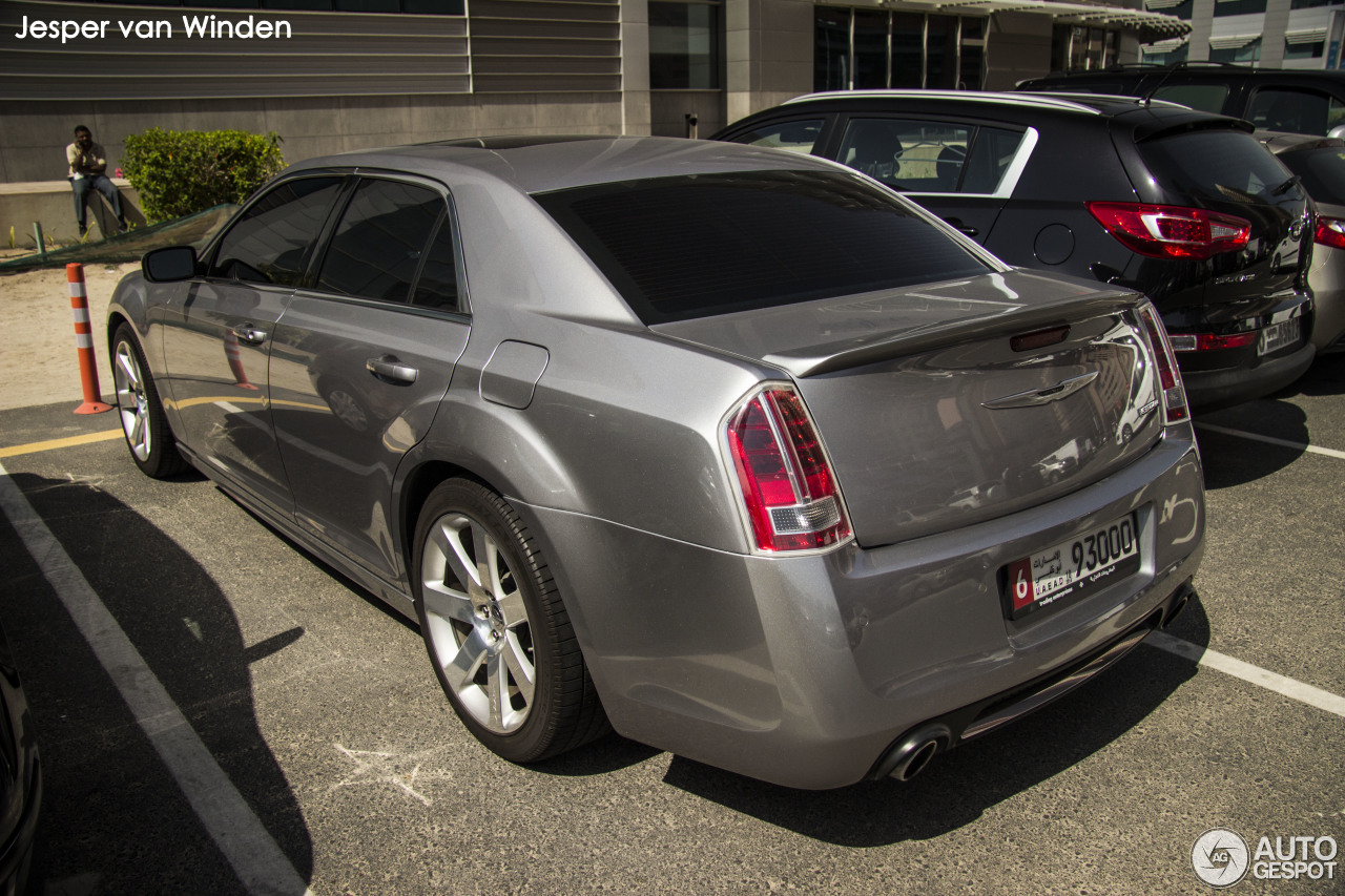 chrysler 300c srt8 2013 15 march 2015 autogespot. Black Bedroom Furniture Sets. Home Design Ideas