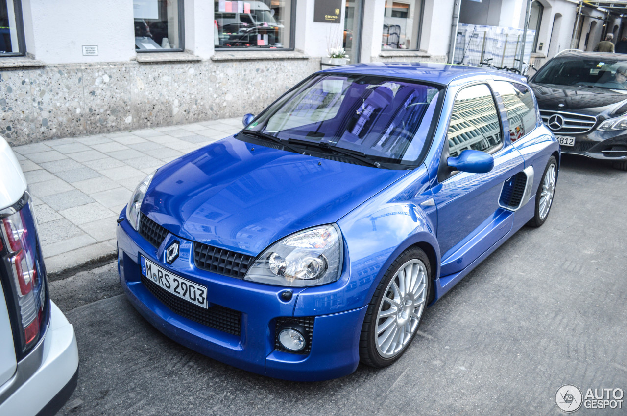 renault clio v6 phase ii 15 march 2015 autogespot. Black Bedroom Furniture Sets. Home Design Ideas