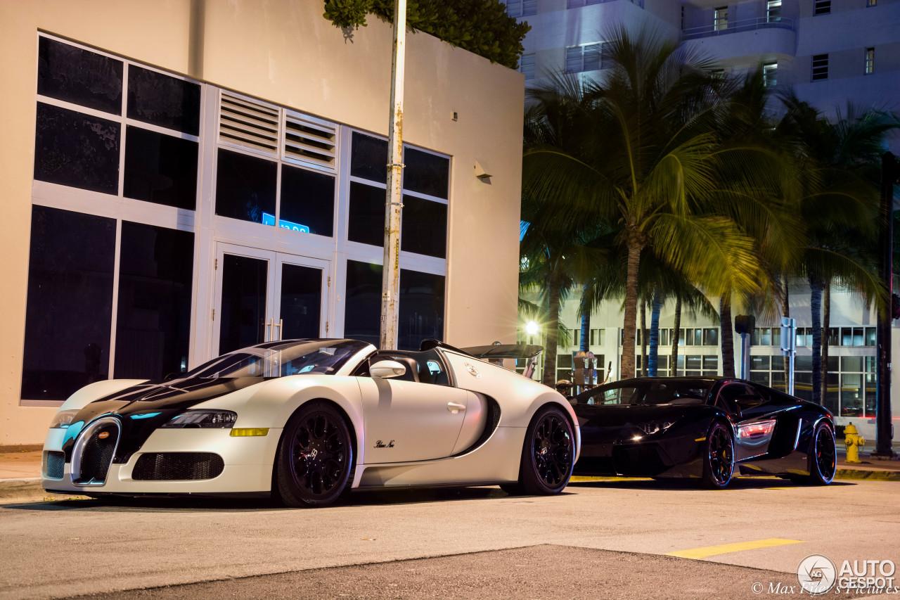bugatti veyron 16 4 grand sport blanc noir 19 march 2015 autogespot. Black Bedroom Furniture Sets. Home Design Ideas