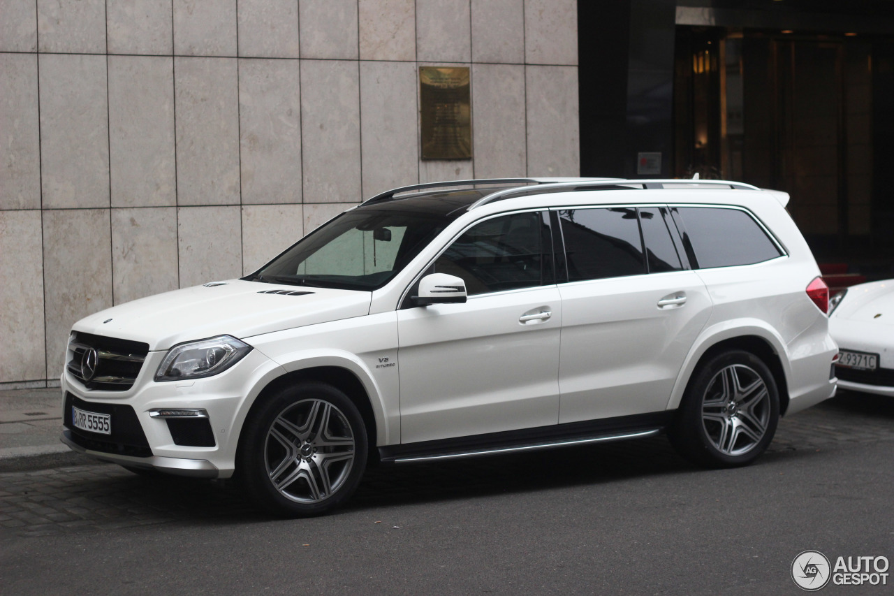 Mercedes benz gl 63 amg x166 21 mrz 2015 autogespot for 2015 mercedes benz gl