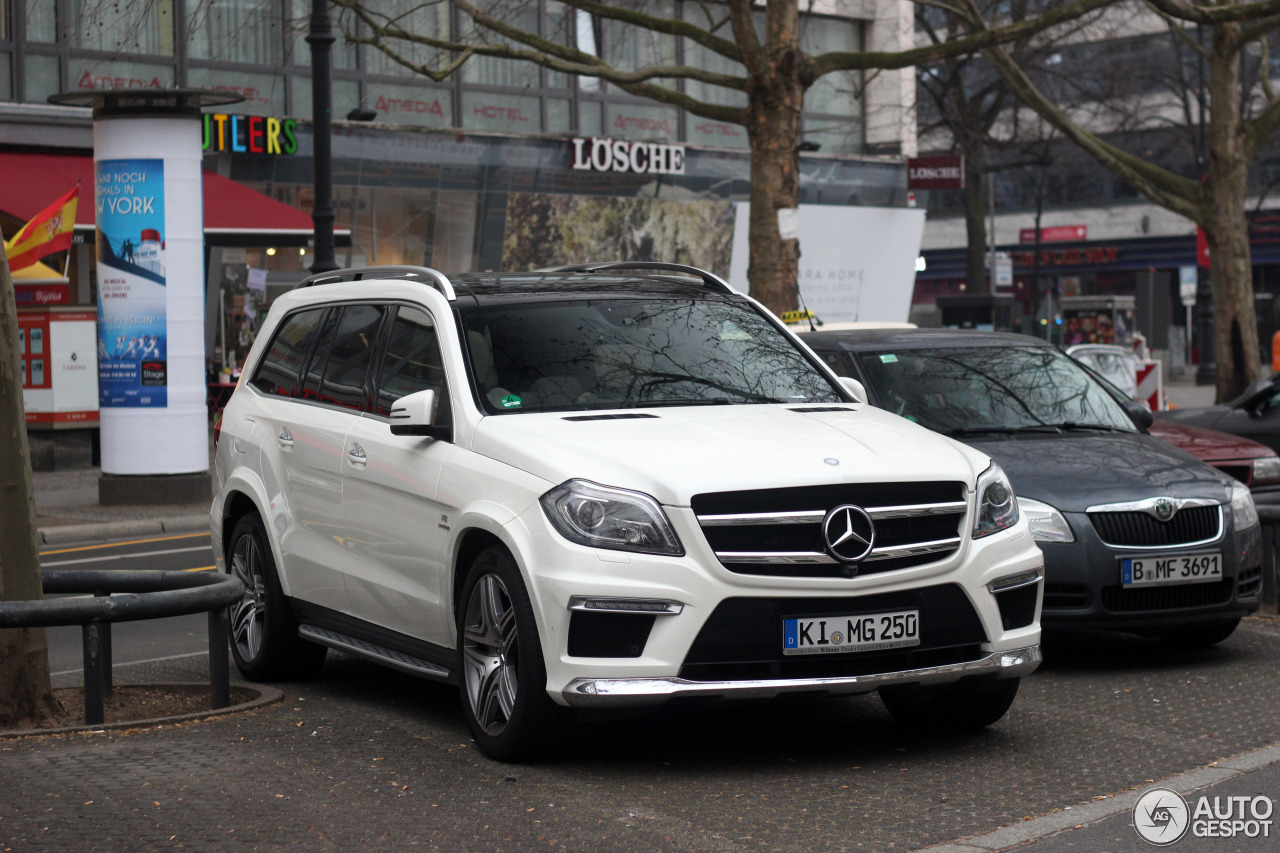 Mercedes benz gl 63 amg x166 21 march 2015 autogespot for Mercedes benz gl amg 2015