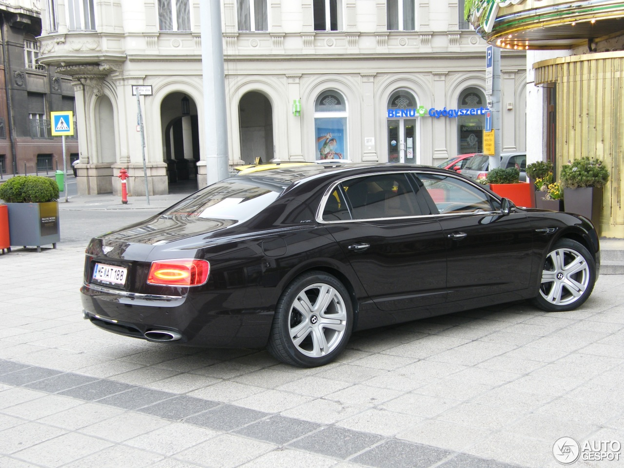 bentley flying spur w12 22 march 2015 autogespot. Black Bedroom Furniture Sets. Home Design Ideas
