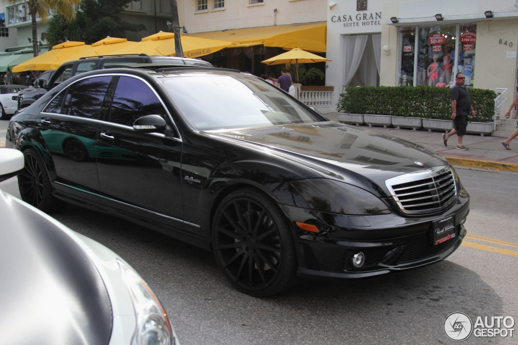 Mercedes benz s 63 amg w221 22 march 2015 autogespot for Mercedes benz w221 price