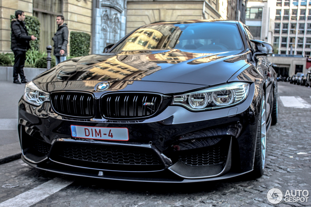 bmw m4 f82 coup 23 mars 2015 autogespot. Black Bedroom Furniture Sets. Home Design Ideas