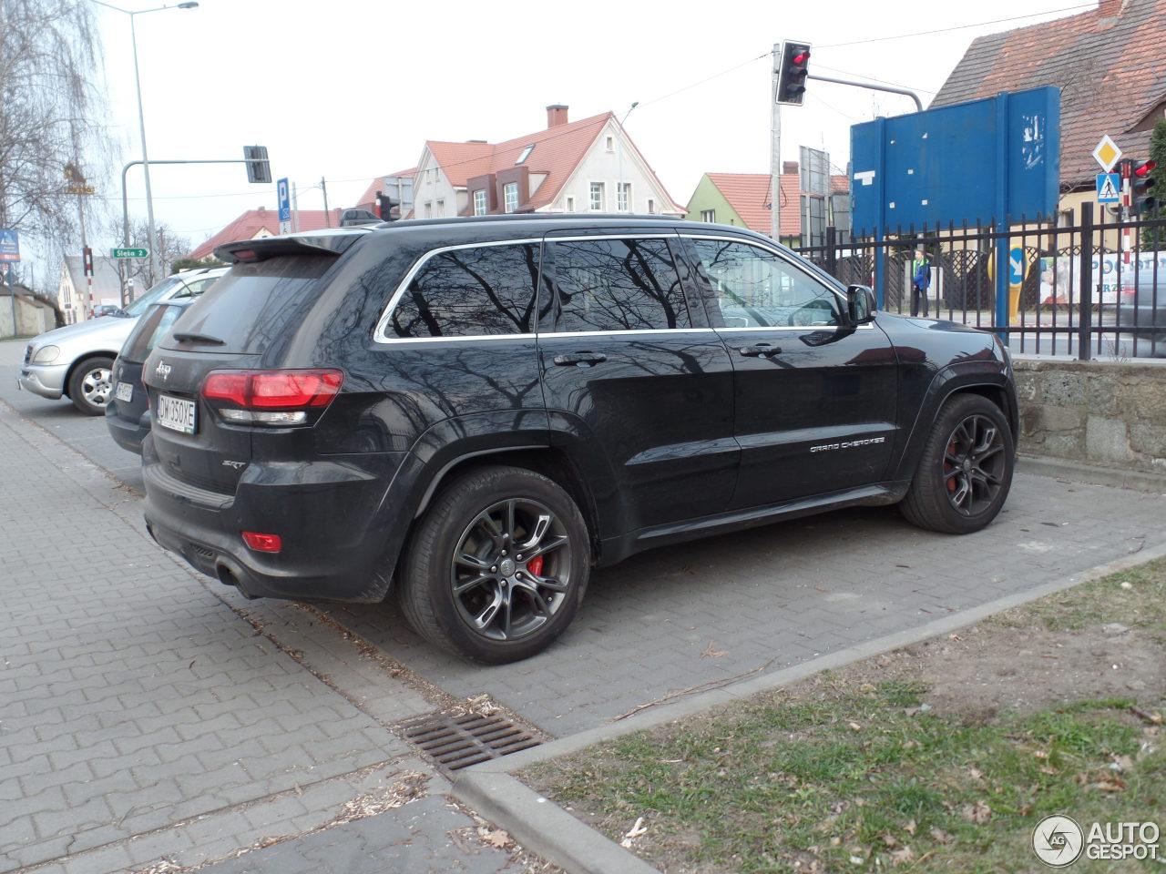 2015 jeep srt8 in dubai 2017 2018 best cars reviews. Black Bedroom Furniture Sets. Home Design Ideas