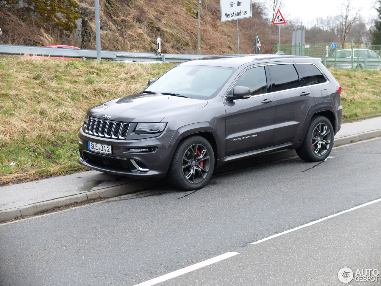 jeep grand cherokee srt 8 2013 26 march 2015 autogespot. Black Bedroom Furniture Sets. Home Design Ideas