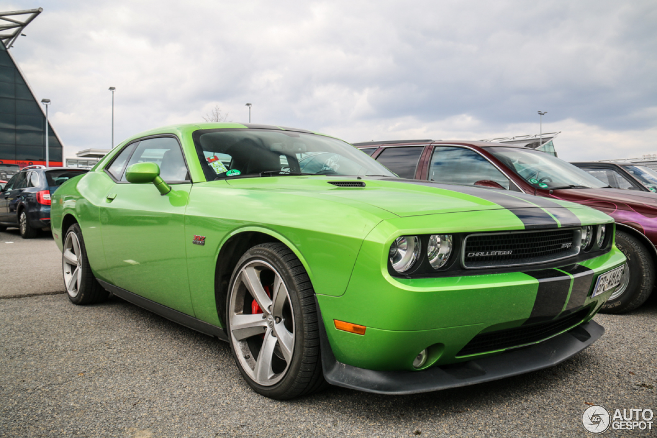 dodge challenger srt 8 392 27 march 2015 autogespot. Black Bedroom Furniture Sets. Home Design Ideas
