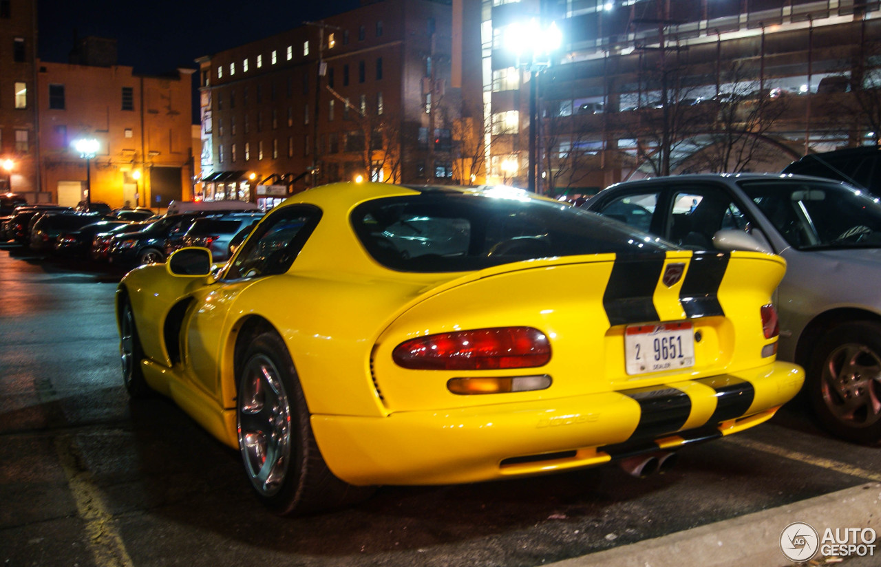 dodge viper gts 31 march 2015 autogespot. Black Bedroom Furniture Sets. Home Design Ideas