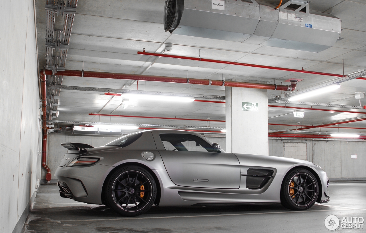1 i mercedes benz sls amg black series 1