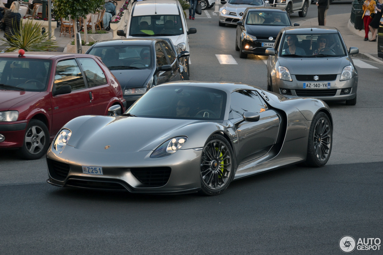 porsche 918 spyder 2 april 2015 autogespot. Black Bedroom Furniture Sets. Home Design Ideas