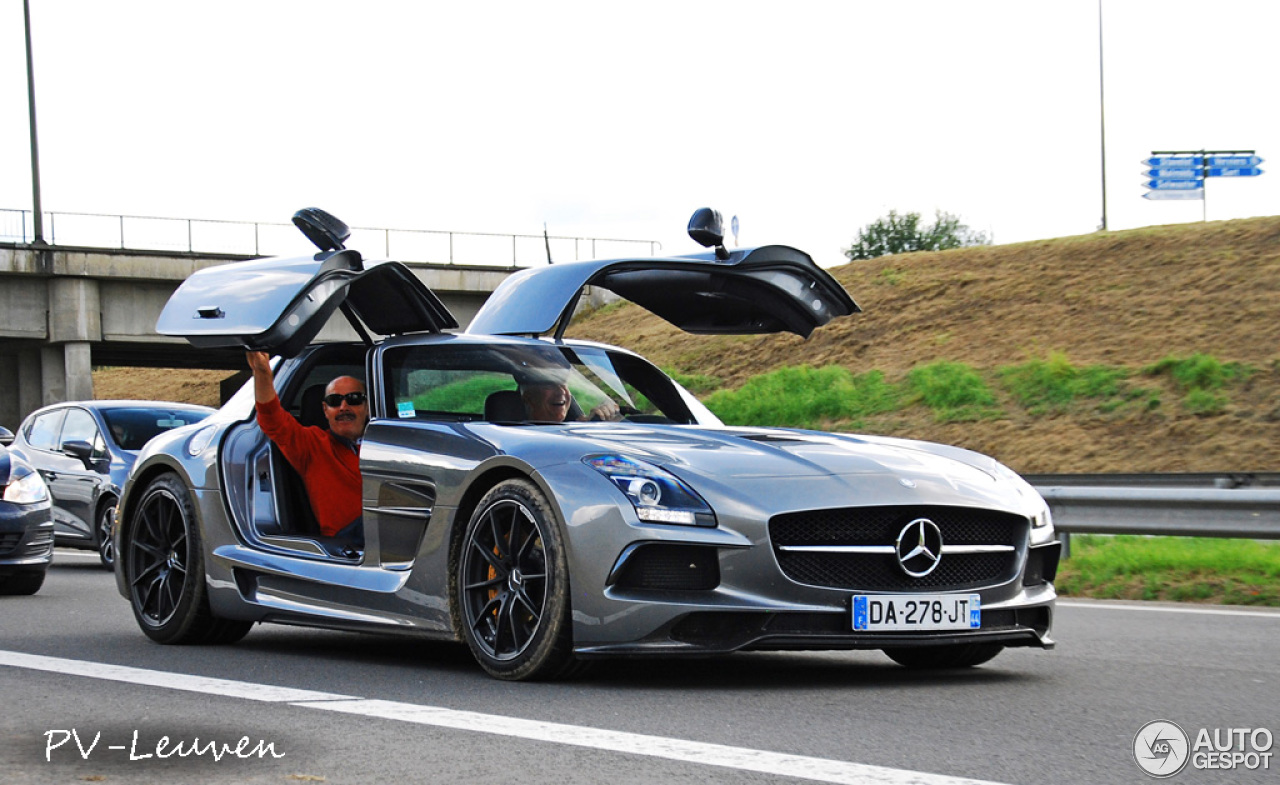 Mercedes benz sls amg black series 3 april 2015 autogespot for 2015 mercedes benz sls amg
