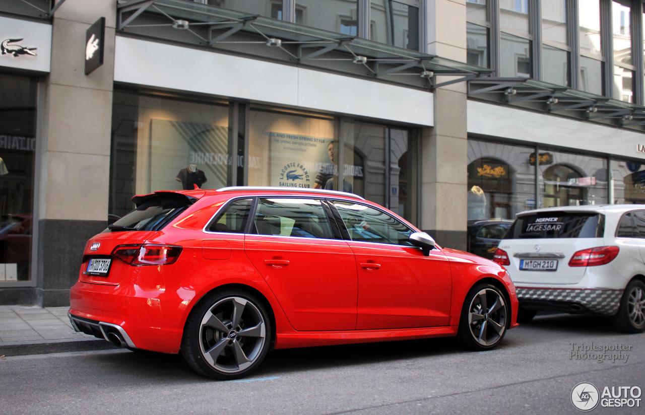 audi rs3 sportback 8v 4 avril 2015 autogespot. Black Bedroom Furniture Sets. Home Design Ideas