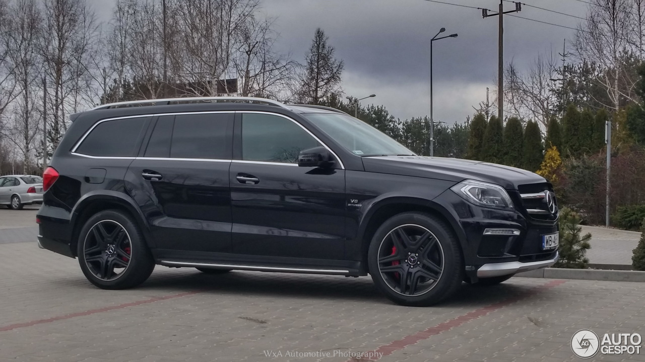 Mercedes benz gl 63 amg x166 4 april 2015 autogespot for 2015 mercedes benz gl
