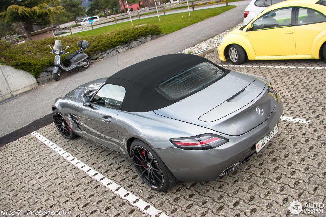 Mercedes benz sls amg roadster 7 april 2015 autogespot for 2015 mercedes benz sls amg convertible