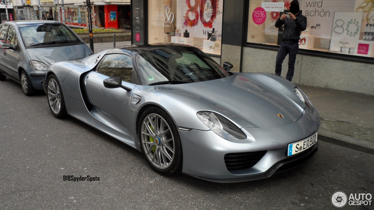 porsche 918 spyder weissach package 9 april 2015 autogespot. Black Bedroom Furniture Sets. Home Design Ideas