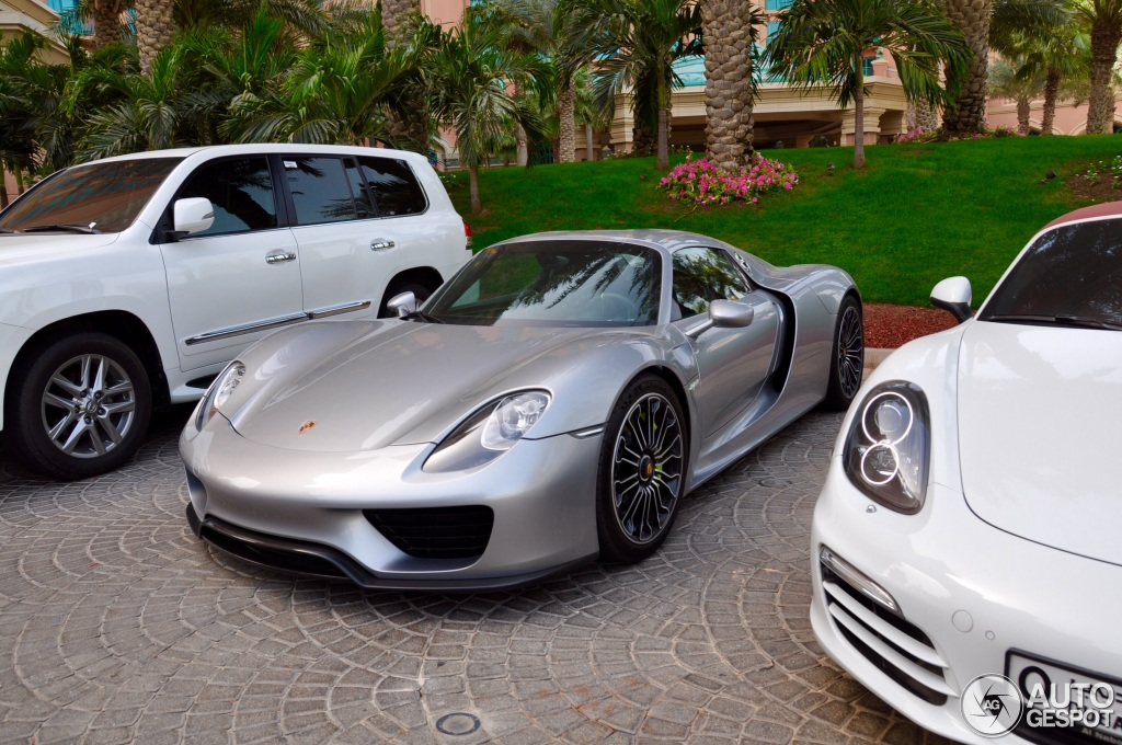 porsche 918 spyder price uae 2015 porsche 918 spyder united arab emirates jamesedition 2015. Black Bedroom Furniture Sets. Home Design Ideas