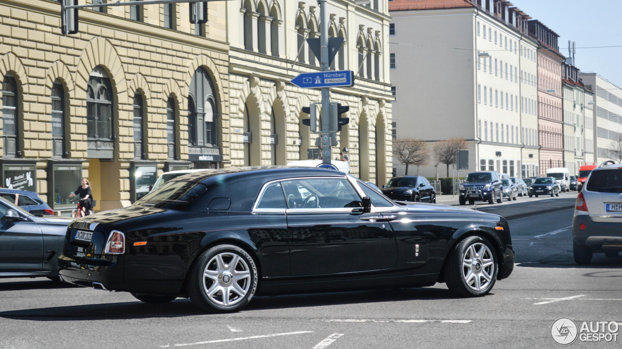 rolls royce phantom coup 12 april 2015 autogespot. Black Bedroom Furniture Sets. Home Design Ideas