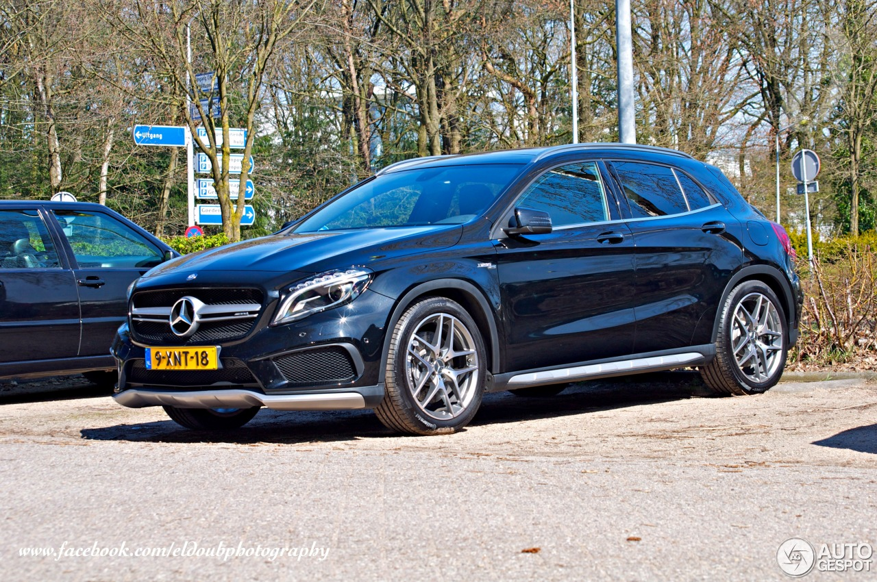 Mercedes benz gla 45 amg x156 14 april 2015 autogespot for Mercedes benz gla 45 amg